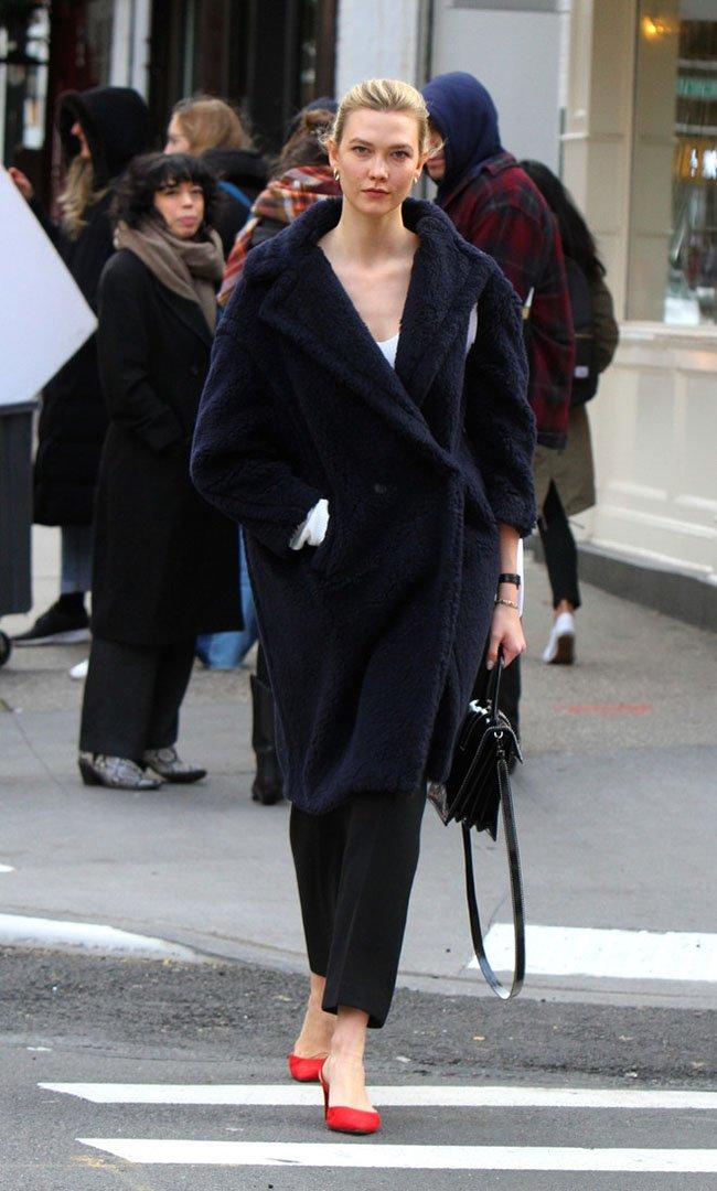 карли клосс пальто