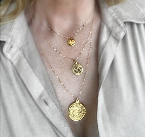 ожерелье с монетой