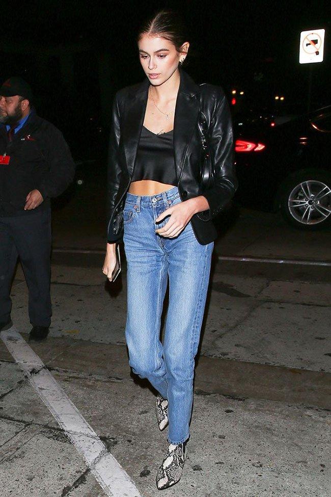 Кайя Гербер какие джинсы носит